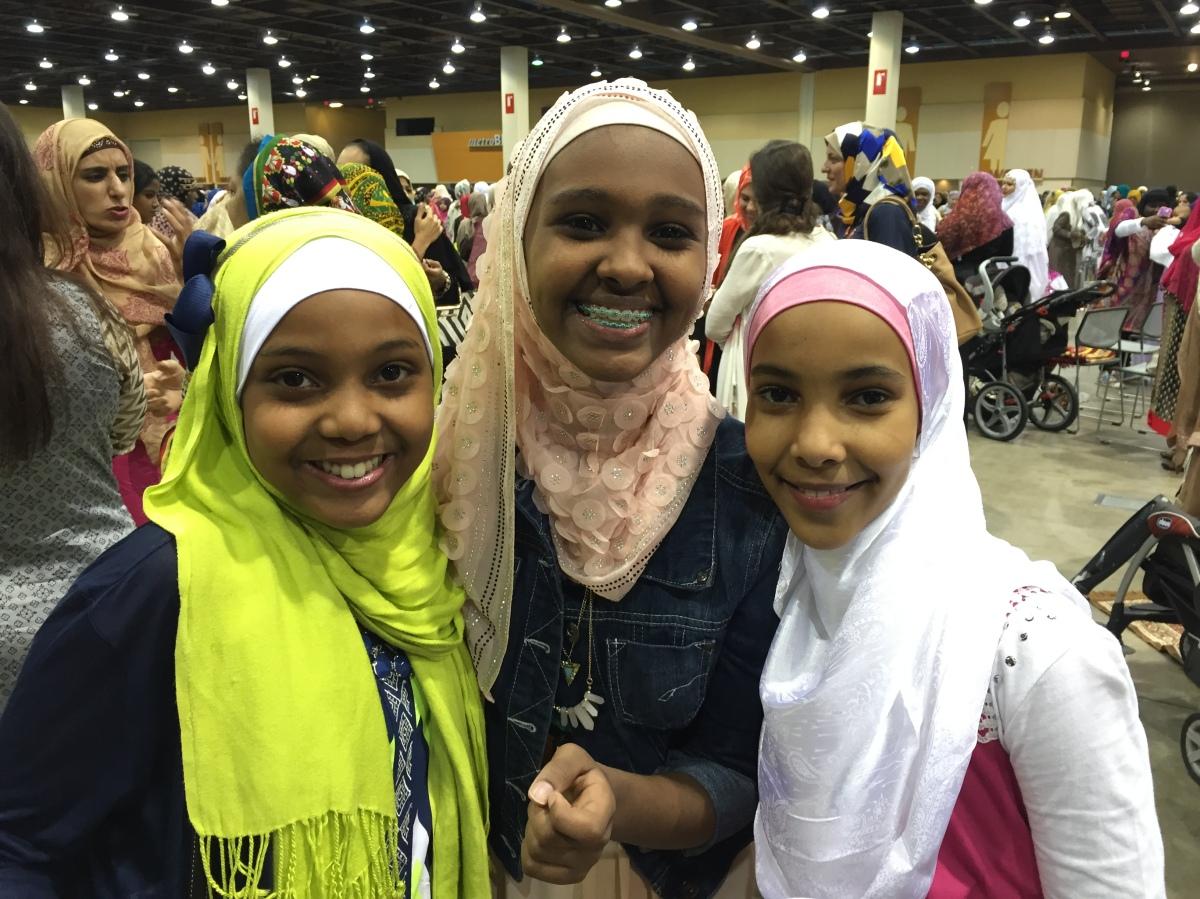 Thousands gather in Phoenix for a joyous Eid al-Fitr